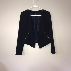 Never worn! Divided H&M blazer with pockets!!